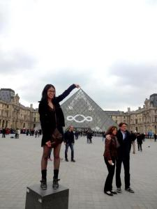 Tourist-ing at the Louvre (April 2013).